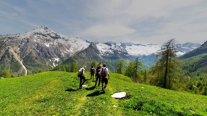 Top 7 Tips to Prepare for Hiking in the Alps