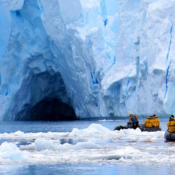 Polar Expeditions & Adventure Tours