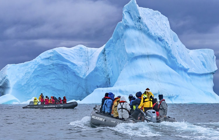 zodiac - Antarctica Crossing the Antarctic Circle Adventure Cruising