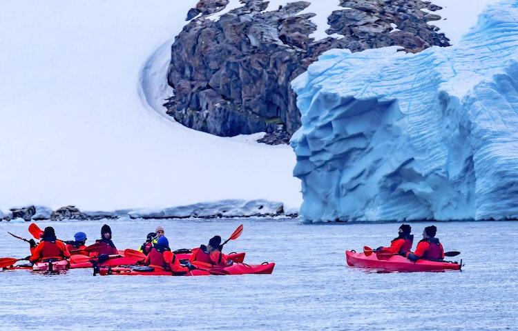 kayak - Antarctica Crossing the Antarctic Circle Adventure Cruising