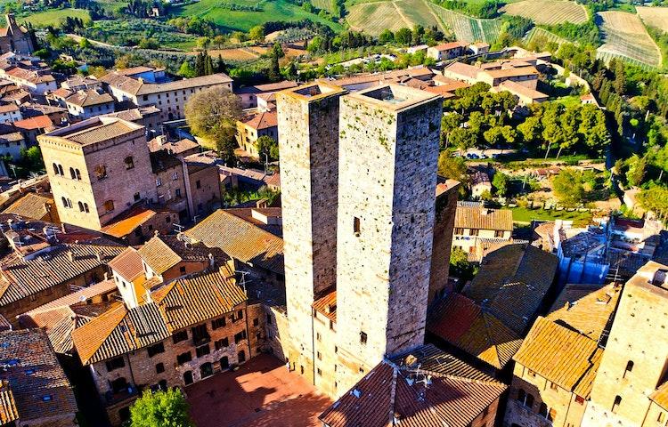 gimignano towers - Italy Tuscany and Cinque Terre Walking