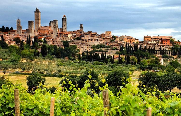 gimignano - Italy Tuscany and Cinque Terre Walking