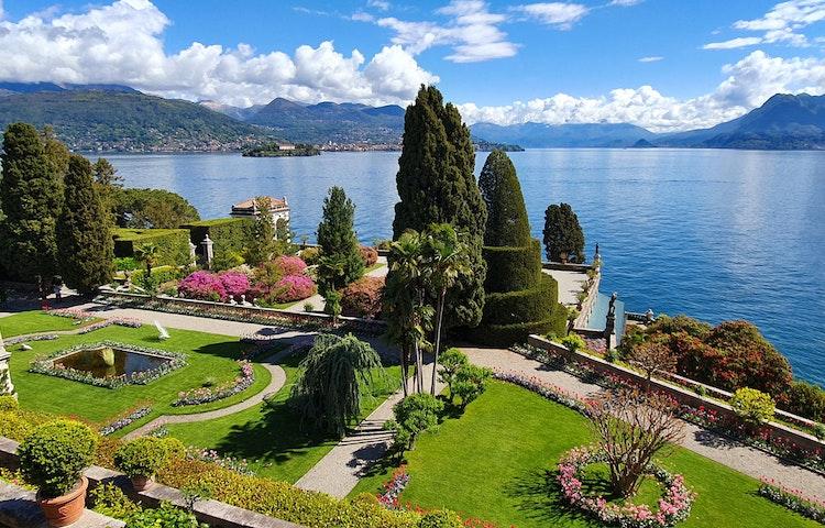 isola bella - Italy and Switzerland Lake District Hiking