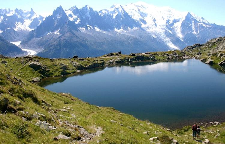 two hikers at lake
