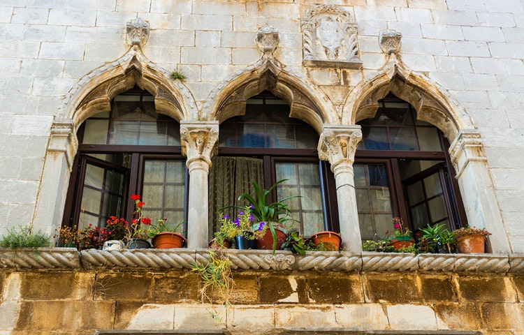 windows - Croatia Hiking & Kayaking Private Adventure