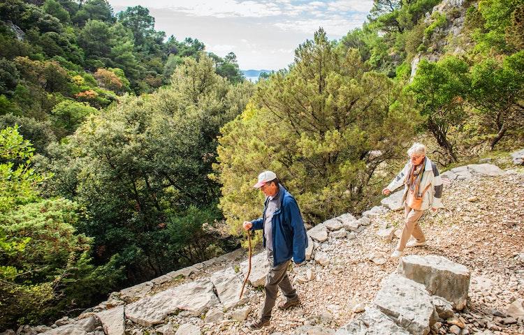 hiking couple - Croatia Hiking & Kayaking Private Adventure