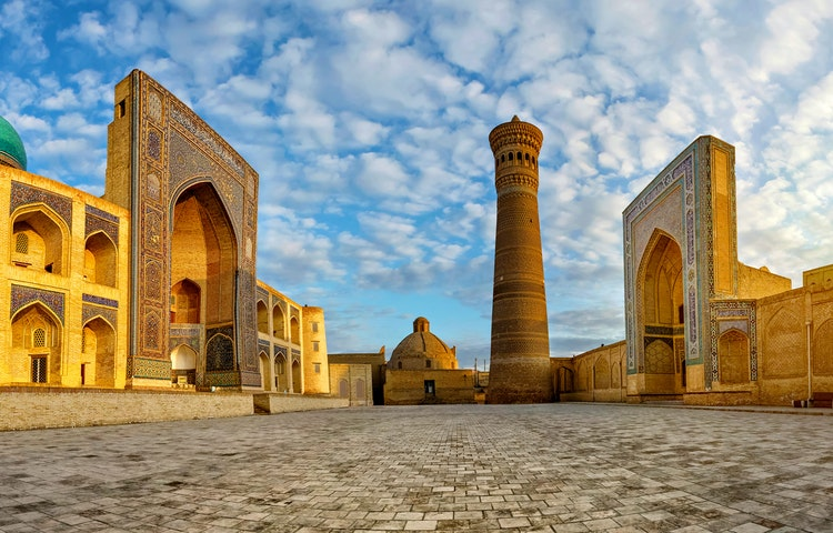 mosque plaza - Uzbekistan and Turkmenistan Silk Road Cultural Discovery