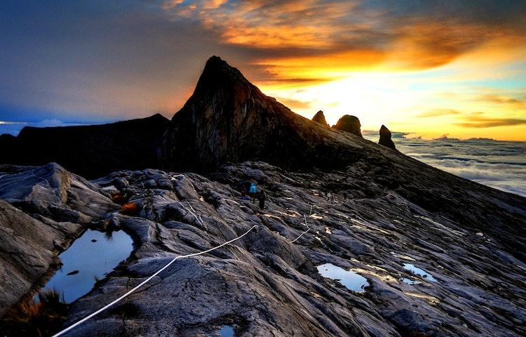 kinabalu sunset - Borneo Rainforests & Villages Wildlife Safari