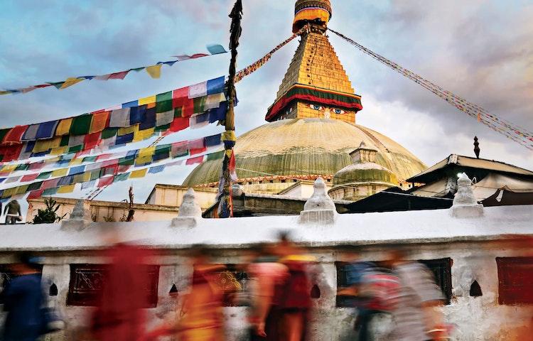 bodnath frenzy - Hiking in Nepal: Everest Lodge-to-Lodge Trek