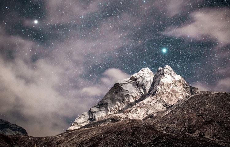 himalayan starlight - Hiking in Nepal: Everest Lodge-to-Lodge Trek