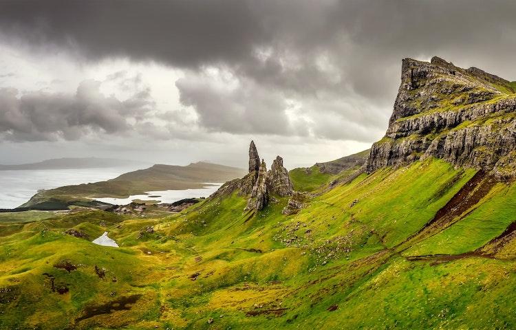 old man of storr - Scotland Western Isles Hiking Tour
